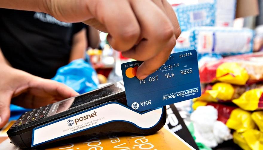 Miles de beneficiaron accedieron a la tarjeta Alimentar.