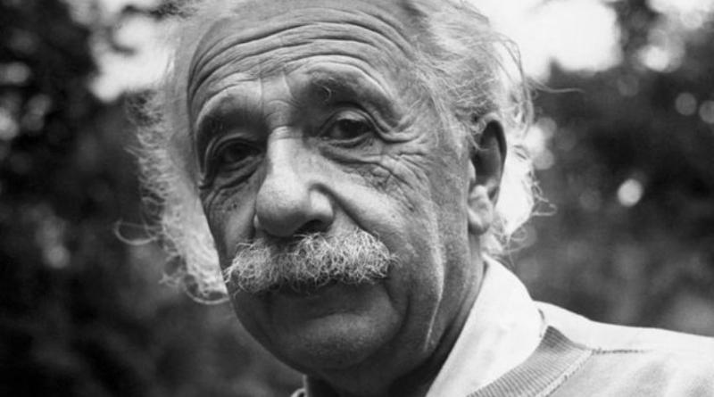 Albert Einstein sentó la bases de la física moderna.