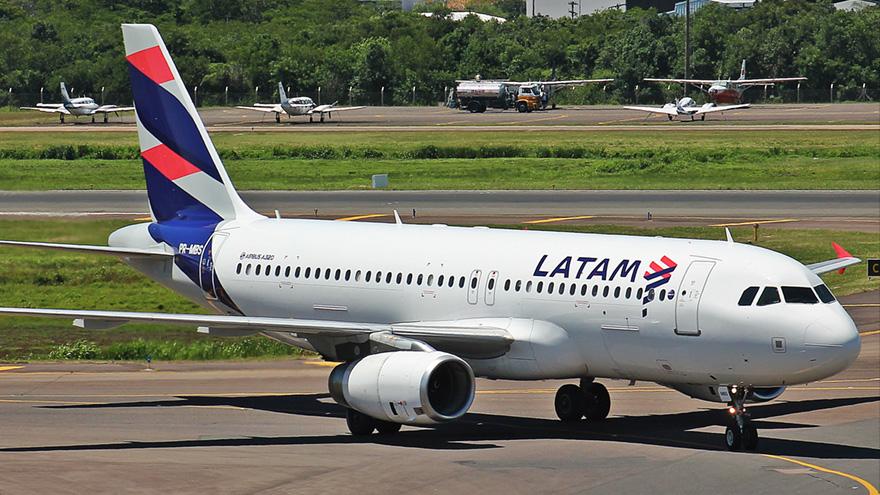 LATAM informó que dejaba de prestar servicios de cabotaje en la Argentina.