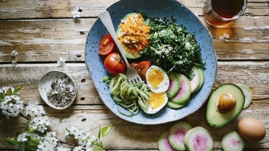 La dieta keto apunta a consumir una gran cantidad de grasas y pocos hidratos de carbono