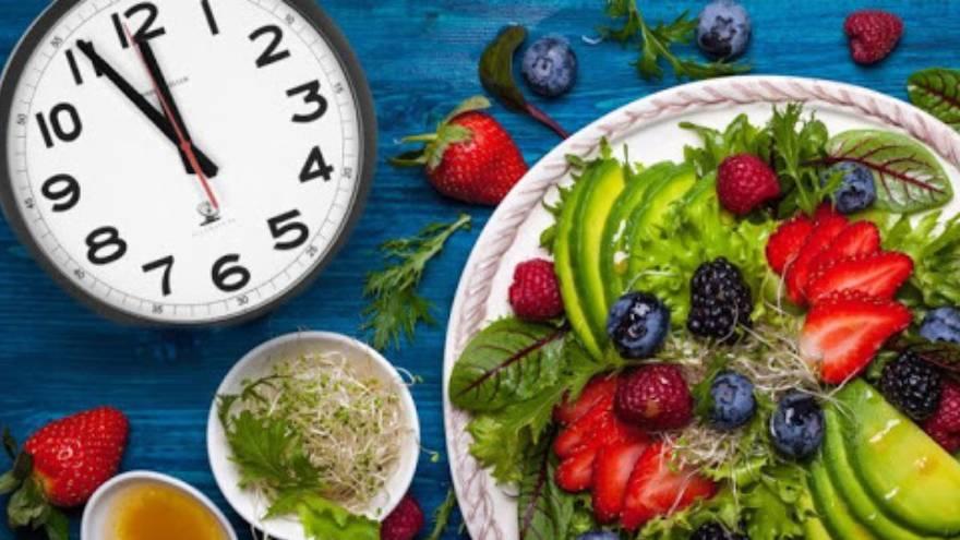 Tener horarios de comidas durante la cuarentena es importante para generar hábitos