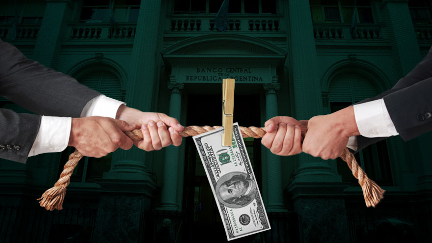 El Banco Central, preocupado por defender el nivel de reservas en un momento de explosión de la demanda minorista de divisas