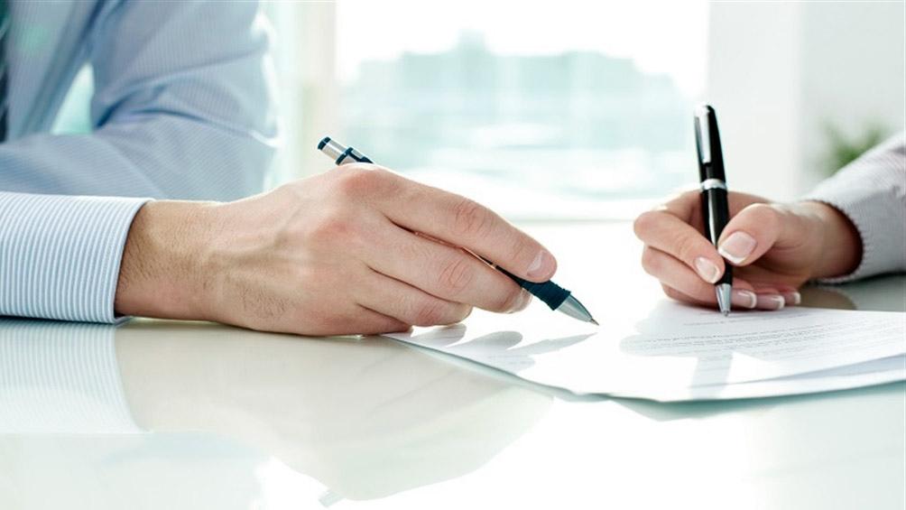 La norma establece que las partes podrán pactar condiciones superadoras a las establecidas por la ley