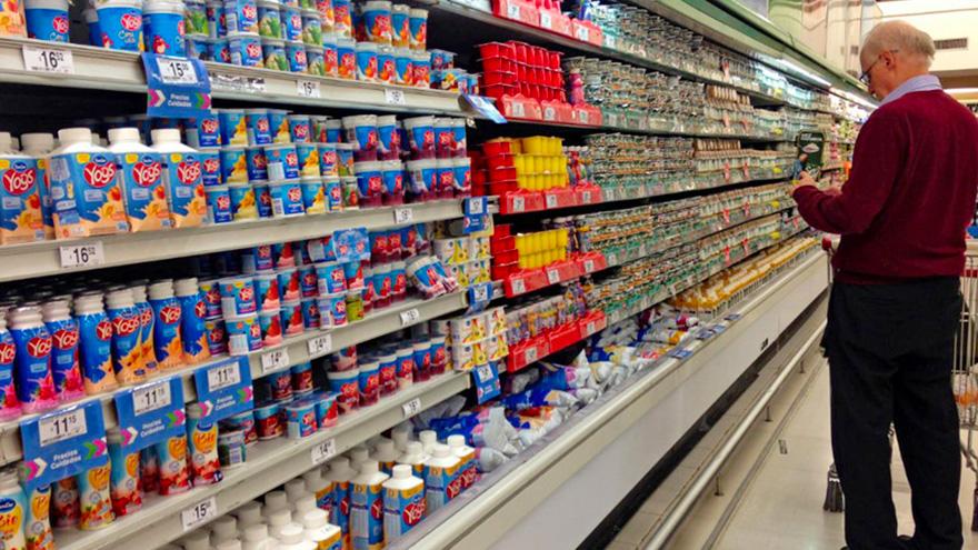 Alimentos y bebidas, al tope del consumo