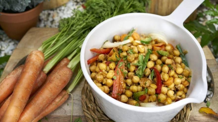 Los garbanzos son una variedad de legumbres que aportan fibra, una variedad de carbohidrato