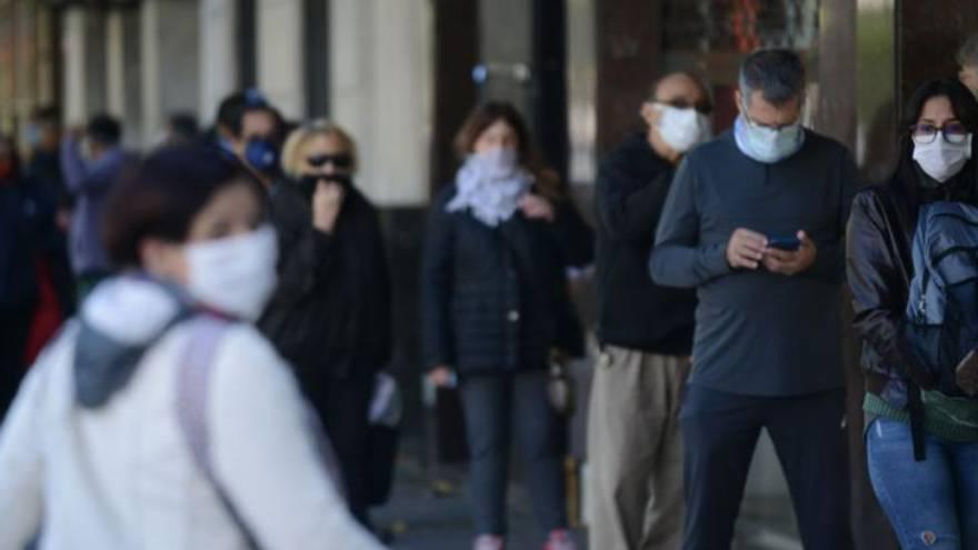 En Argentina todavía es obligatorio el uso de barbijos
