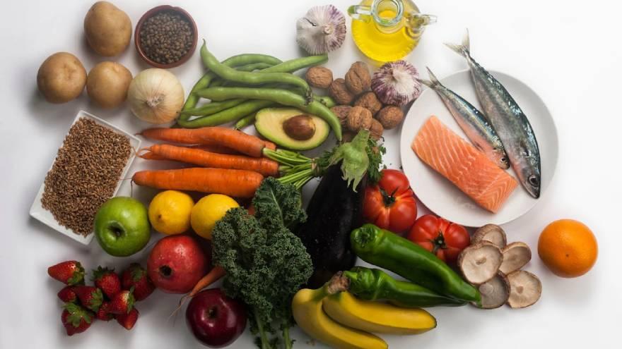 Expertos recomiendan aumentar la ingesta de vegetales y proteínas