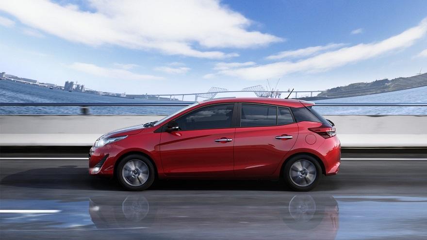El perfil del Toyota Yaris cierra armónicamente con la parte trasera.