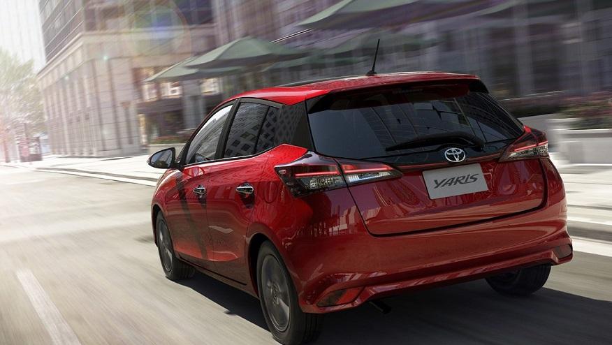 Toyota Yaris hatch en su mirada posterior.