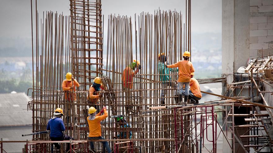 Todos los sectores fabriles vinculados a insumos de construcción cayeron fuertemente.