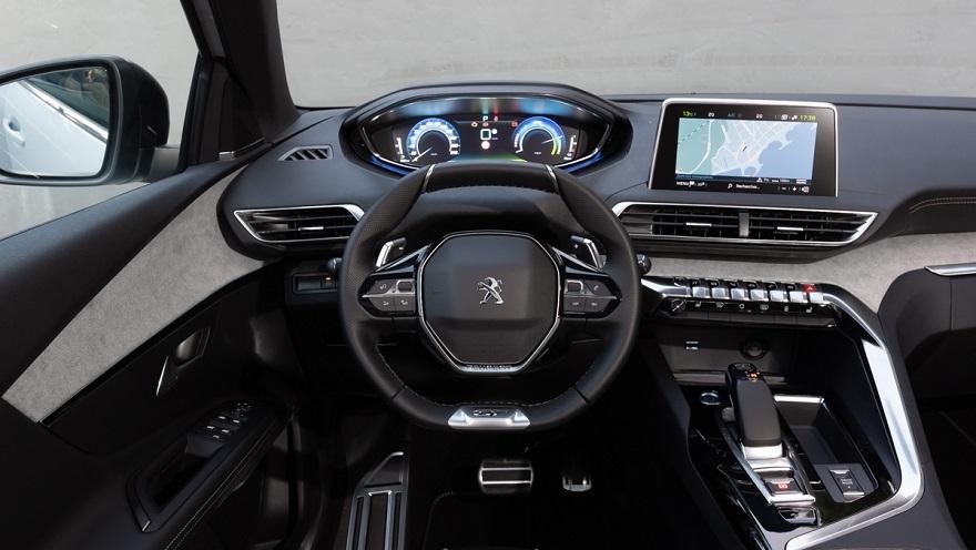 El puesto de manejo del Peugeot 3008 con sistema i-Cockpit.