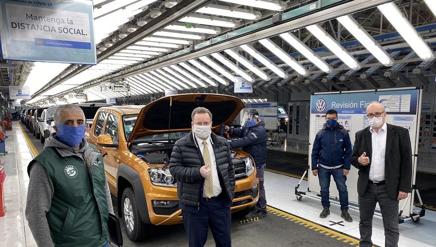 Thomas Owsianski, presidente y CEO de Volkswagen, recorrió la planta.