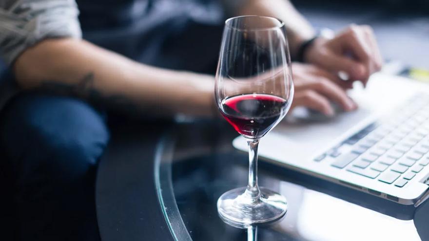 El vidrio en las botellas le dio más oxigenación a los vinos.