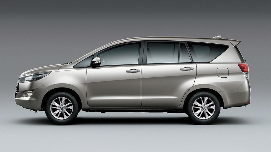 Toyota, la minivan para 7 pasajeros.