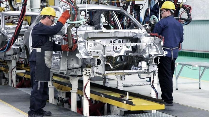 El paro derivó en faltantes de piezas importadas por las automotrices.
