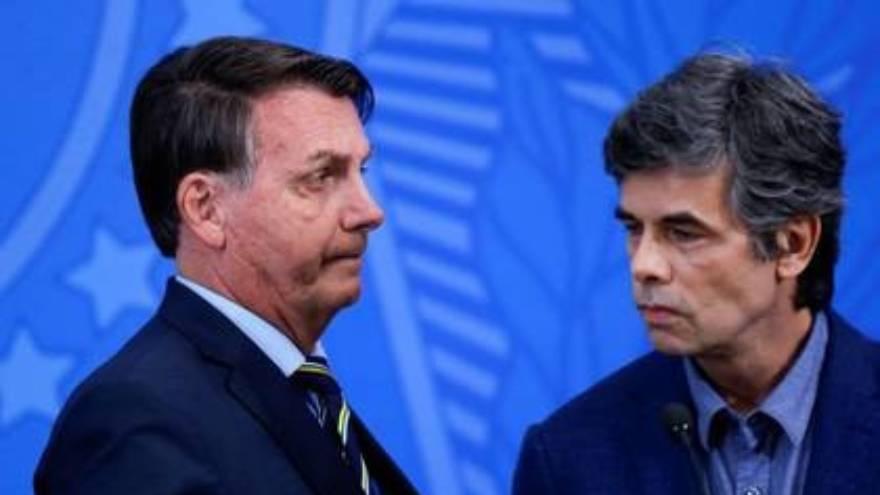 Bolsonaro y su último ministro de Salud
