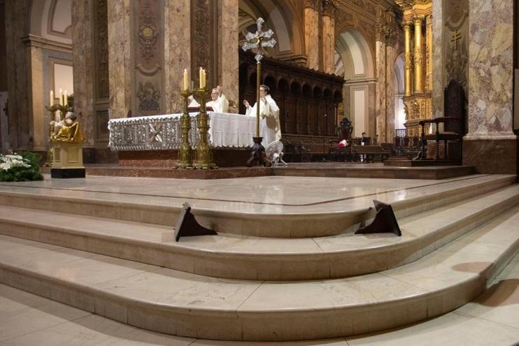 Las ceremonias religiosas podrán contar con hasta 20 asistentes.