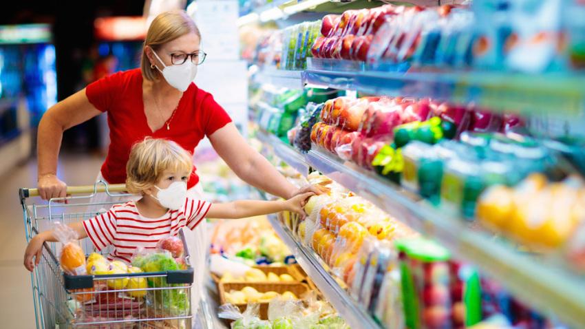El bajo consumo y los precios máximos contuvieron la inflación, pero en el mercado dudan por la reacción de la etapa post pandemia
