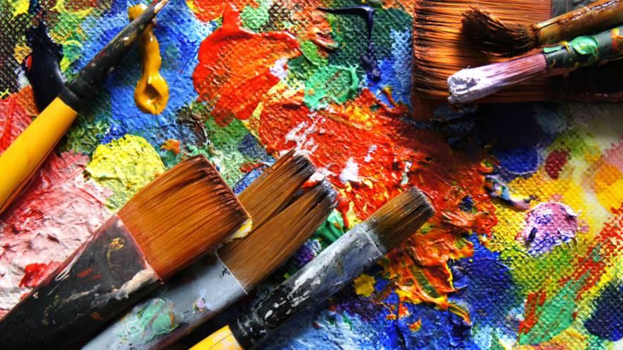 Pintar es una de las actividades nuevas que se puede realizar