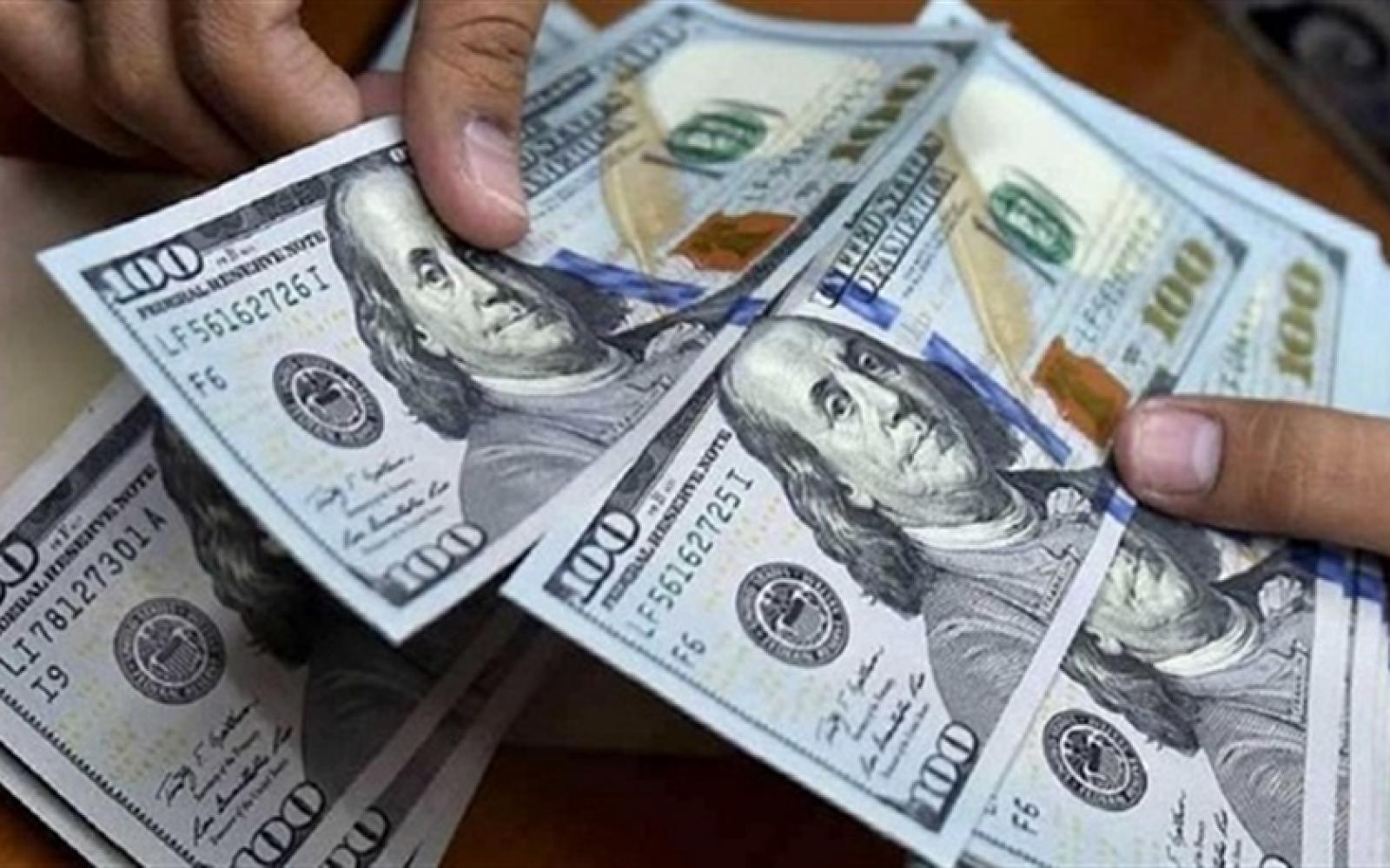 Las nuevas medidas benefician a quienes cuenten con los dólares en la mano