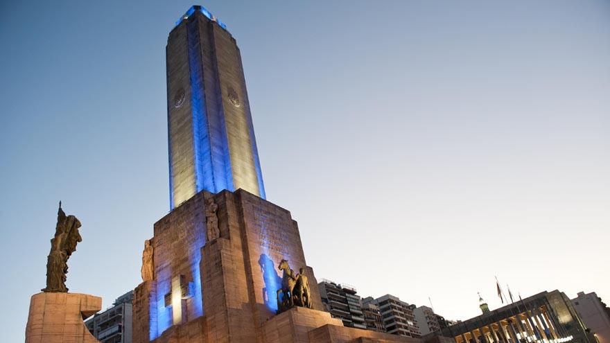 En el Monumento de Rosario, Santa Fe, se celebra siempre el Día de la Bandera argentina