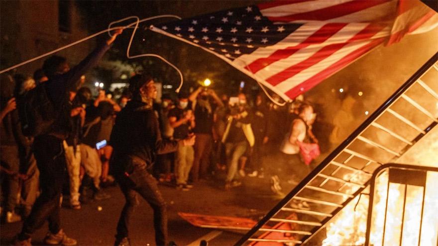 Las protestas violentas se reprodujeron en todo el país.