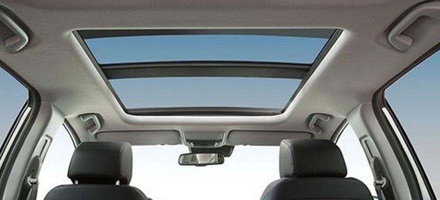 Honda CR-V, con techo solar panorámico.