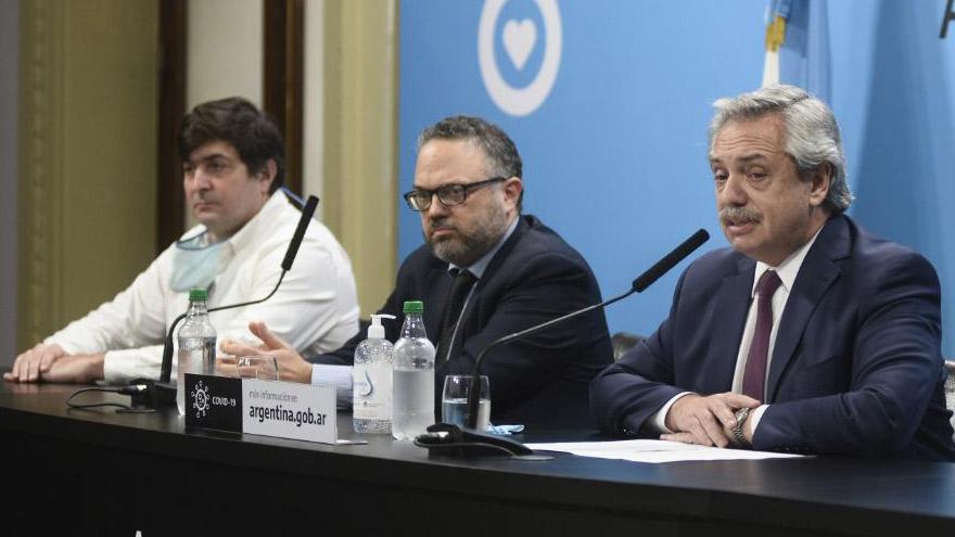 Alberto Fernández y Kulfas cuando anunciaron la intervención de Vicentin.