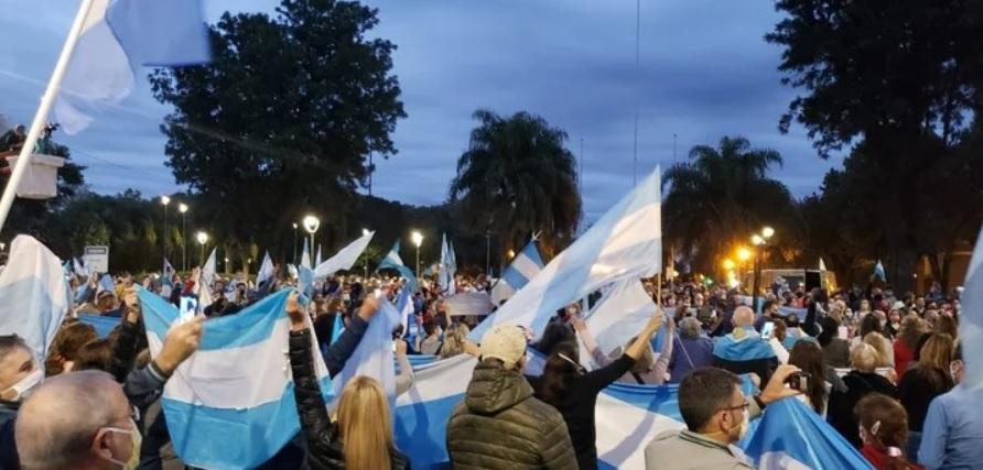 La protesta popular llevó a Alberto Fernández a revisar su postura inicial sobre Vicentin