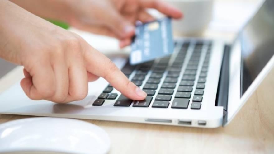 El grabado de autopartes se puede pagar con tarjeta o a través de Rapipago o Pago Fácil.