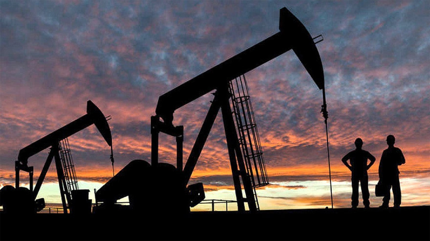 Ahmed Zaki Yamani predijo la caída de los precios del petróleo
