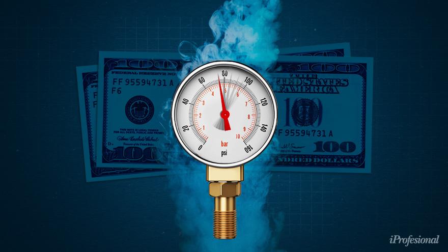 El dólar blue marcó hoy otro récord, al llegar a $152, y gana más que un plazo fijo