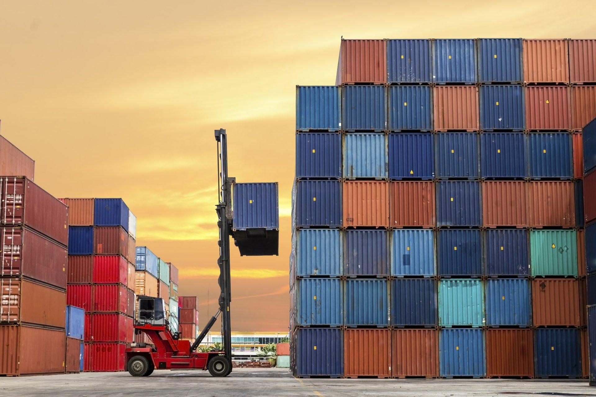 A los importadores los beneficiaría poder comprar insumos a un tipo de cambio más bajo que el financiero