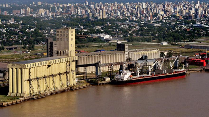 Por efecto de la medida de fuerza, el puerto de Rosario recibió 1.000 camiones menos que hace una semana.