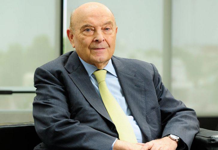 Domingo Cavallo aconsejó que el BCRA deje de vender el cupo de u$s200 y que desdoble el mercado