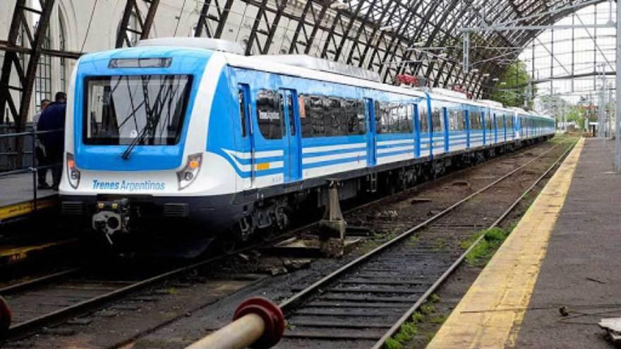 Solo los trabajadores esenciales pueden usar el transporte público en AMBA