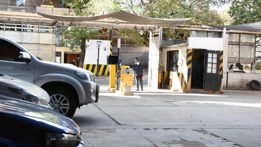 Como ocurre con otros rubros, los estacionamientos también dejaron de percibir el ATP que aliviaba el pago de salarios.