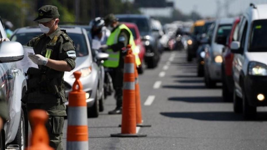 Las fuerzas de seguridad controlan los permisos en los controles dispuestos