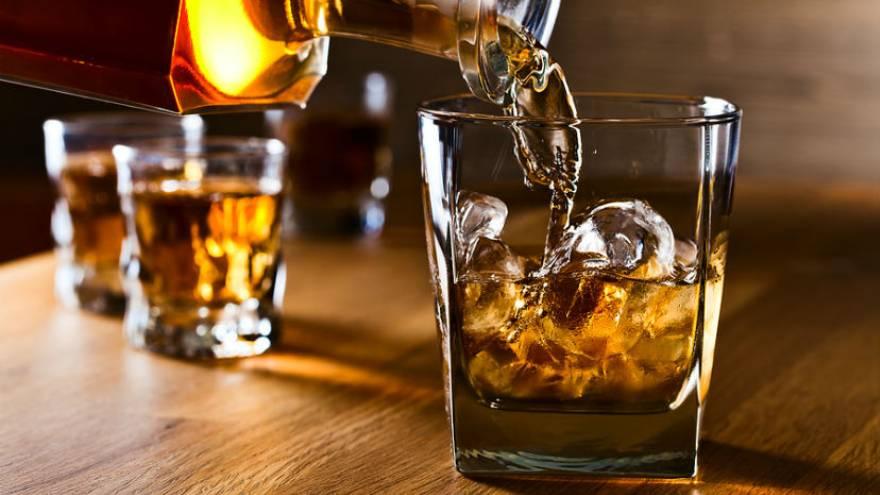 El alcoholismo puede ser una de las causas de síndrome confusional agudo