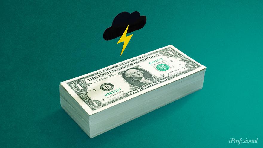 Desde el inicio de la cuarentena, la demanda de dólares por los ahorristas ha subido mes a mes