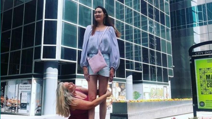 La modelo comentó que no suele conseguir ropa ni calzado