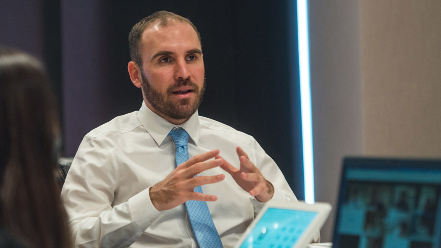 Ferro dice que el país necesita un cambio de Gabinete económico porque el actual carece de credibilidad