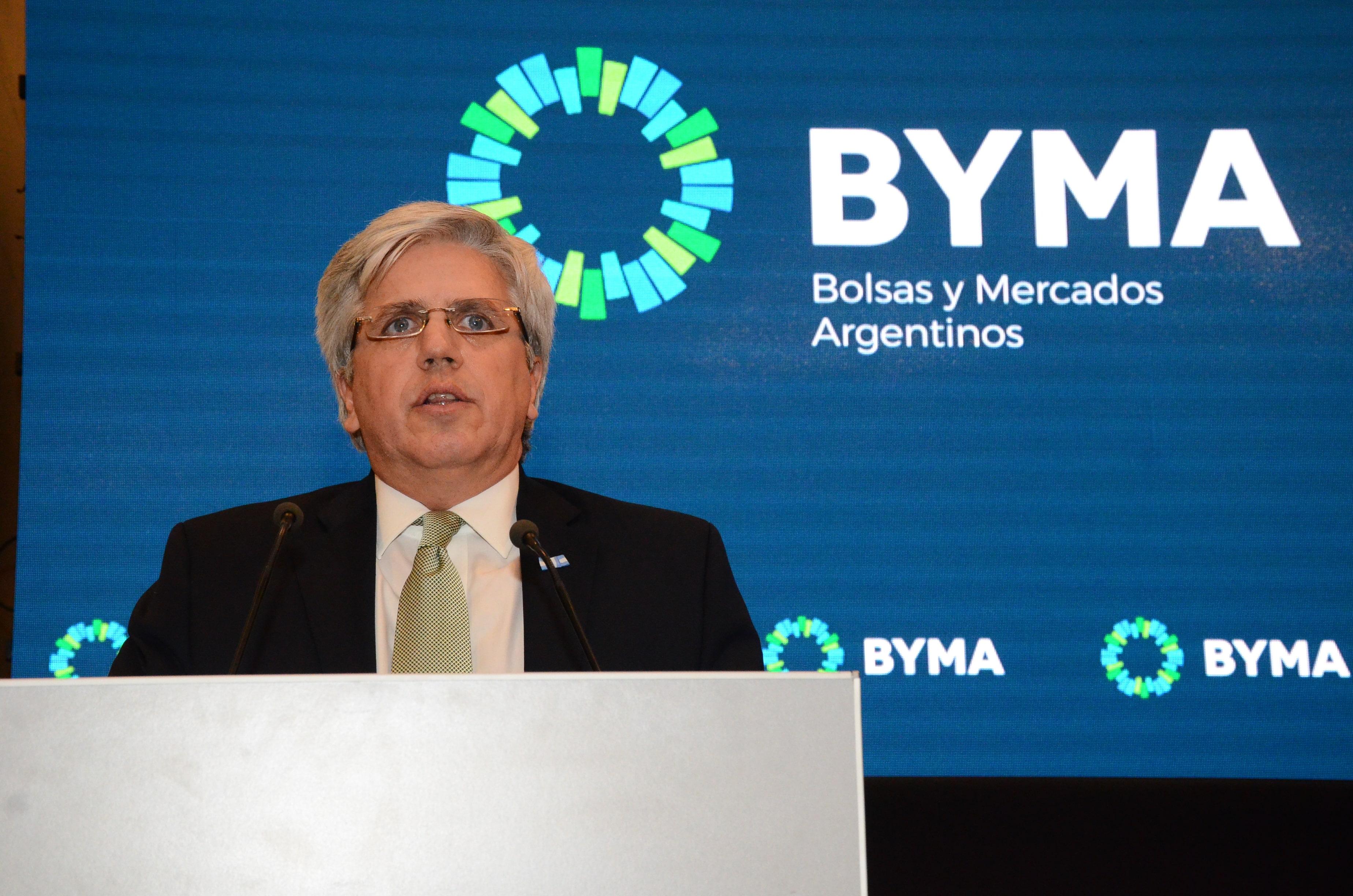 Ernesto Allaria, presidente de la sociedad de bolsa homónima, cree que hay valor en los papeles bancarios.