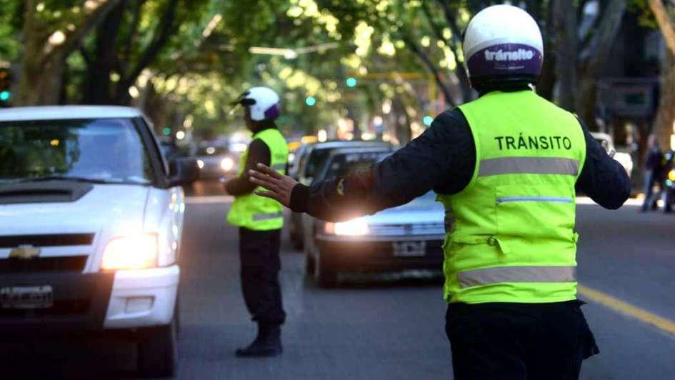 Médicos, fuerzas de seguridad y bomberos están entre los