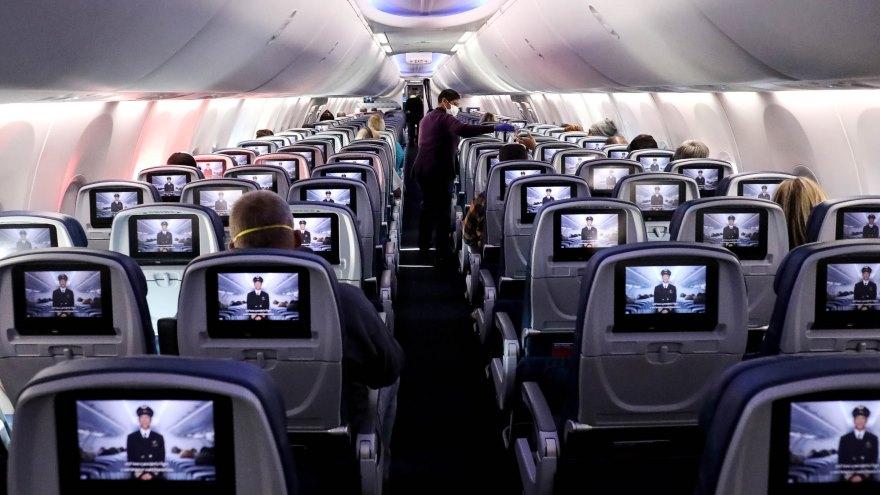 Las provincias tienen la potestad de decidir si recibirán vuelos y qué protocolos se aplicarán