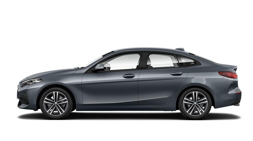 La distancia entre ejes del BMW Serie 2 lo hace más cómodo por dentro.