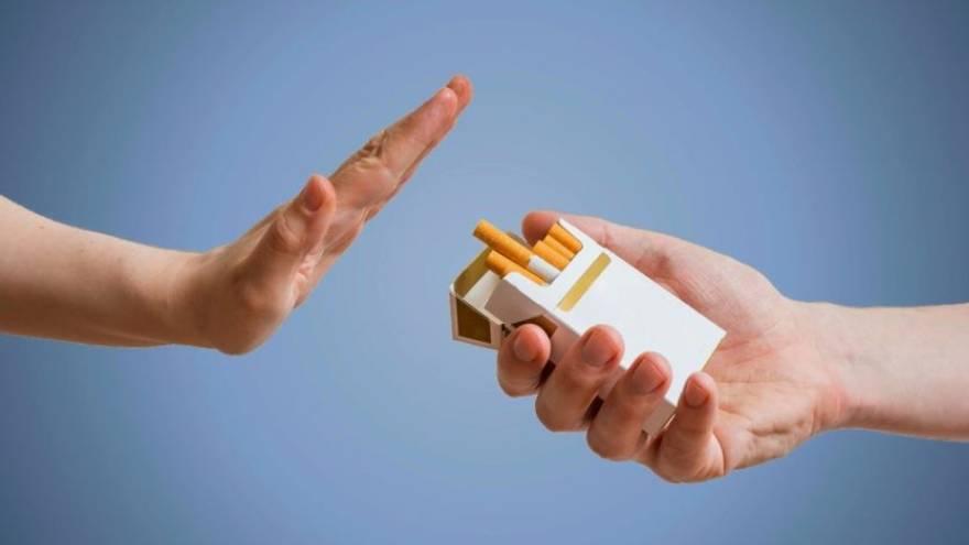 Dejar de fumar es una de las formas de disminuir el riesgo de padecer este tipo de cáncer
