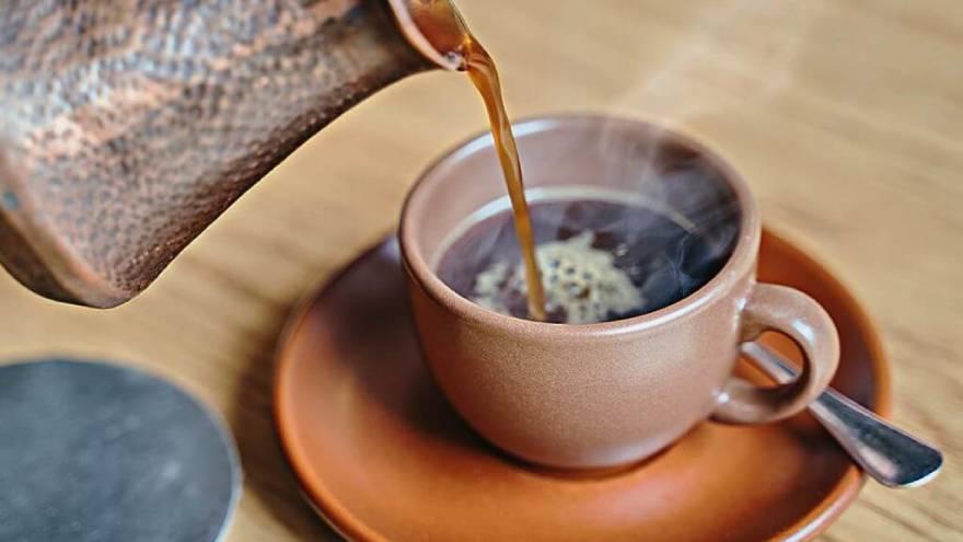 El consumo de café podría tener beneficios, pero también producir consecuencias en la salud