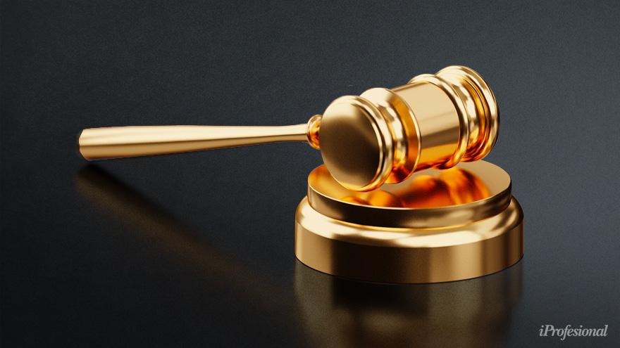 El abogado de los familiares del fallecido, Martín Sarubbi, anunció que demandará al centro asistencial por los presuntos delitos de homicidio culposo y desobediencia,