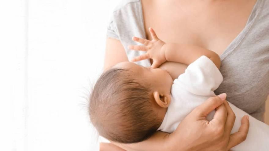 La OMS recomienda la lactancia para prevenir, entre otras enfermedades, el Covid